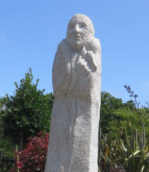 statue-divi-seule
